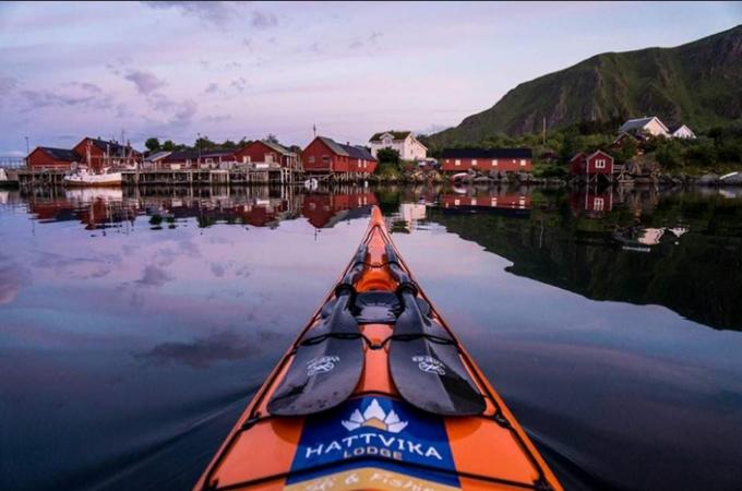 Kajakk Nord i samarbeid med Hattvika Lodge og Ut i Lofoten inviterer til 6 dager med kajakk i Lofoten.